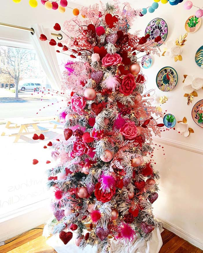 Rose-Covered Valentine Tree #valentine #tree #diy #decorhomeideas