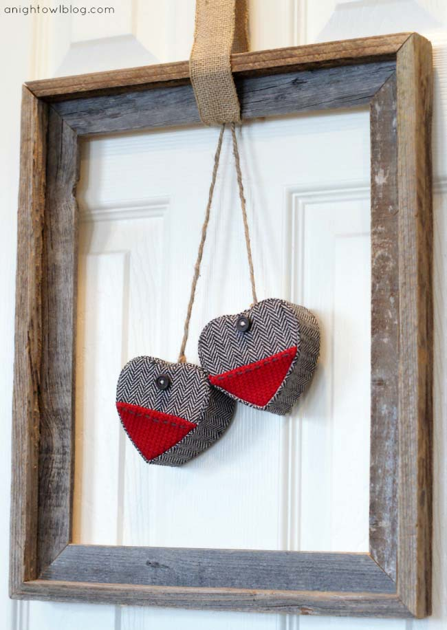 Rustic Frame Wreath #valentine #diy #wreaths #decorhomeideas