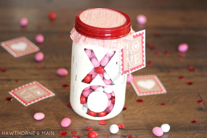 See Through Valentine Mason Jar #valentinesday #crafts #jars #gifts #decorhomeideas