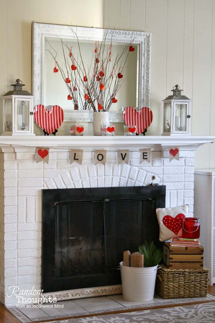 Simple Valentines Day Mantel #valentinesday #rustic #decor #diy #decorhomeideas
