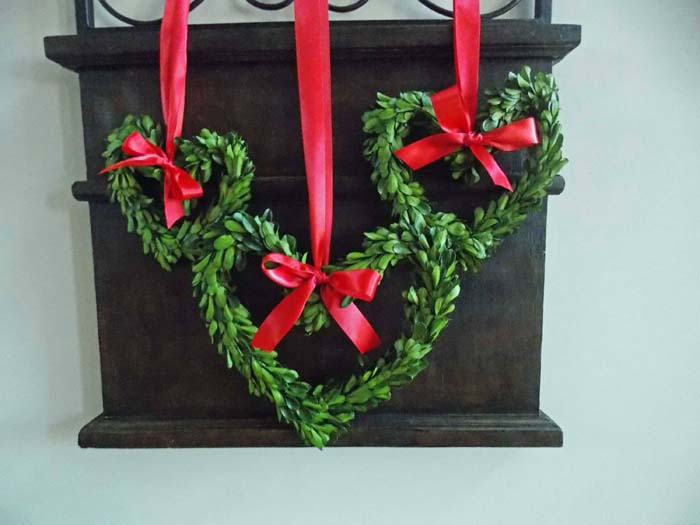 Small Preserved Boxwood Heart Wreath #valentine #diy #wreaths #decorhomeideas