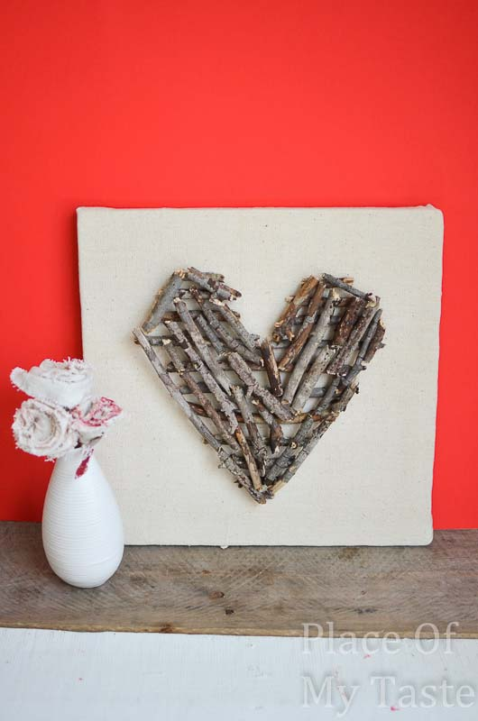 Stick Heart Wall Art #valentinesday #rustic #decor #diy #decorhomeideas
