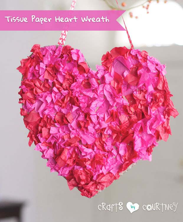 Tissue Paper Heart Wreath #valentine #diy #wreaths #decorhomeideas