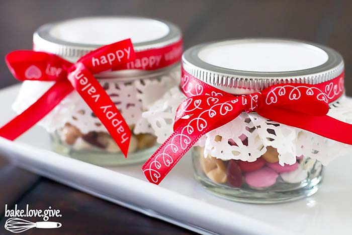 Trail Mix Valentine Gift #valentinesday #crafts #jars #gifts #decorhomeideas