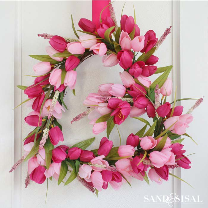 Tulip Heart Wreath #valentine #diy #wreaths #decorhomeideas