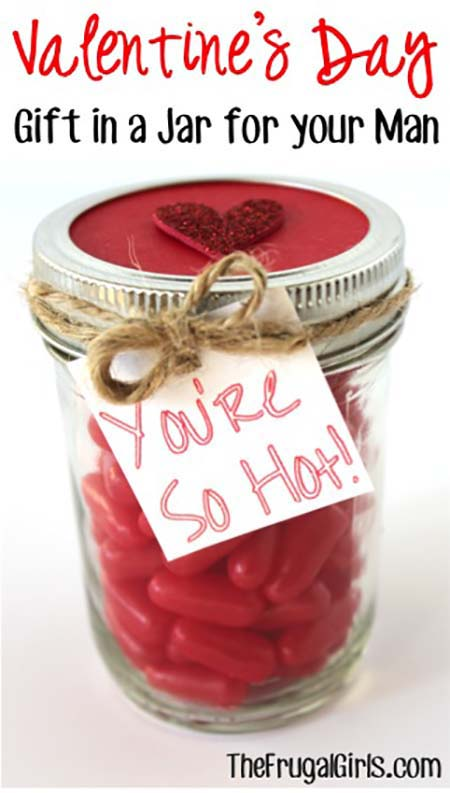 Valenties Day Gift in a Jar #valentinesday #crafts #jars #gifts #decorhomeideas
