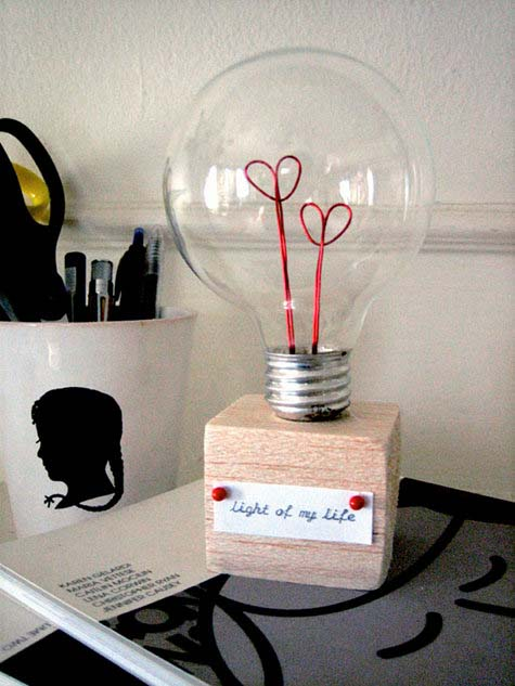 Valentine Lightbulb #valentinesday #gifts #diy #decorhomeideas