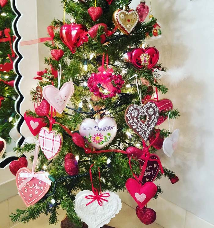 Valentine Tree Ornaments #valentine #tree #diy #decorhomeideas