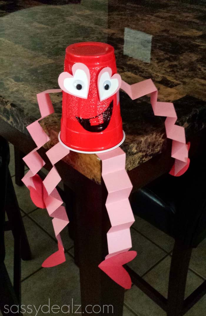 Valentines Cup Craft Man #valentine #crafts #kids #decorhomeideas