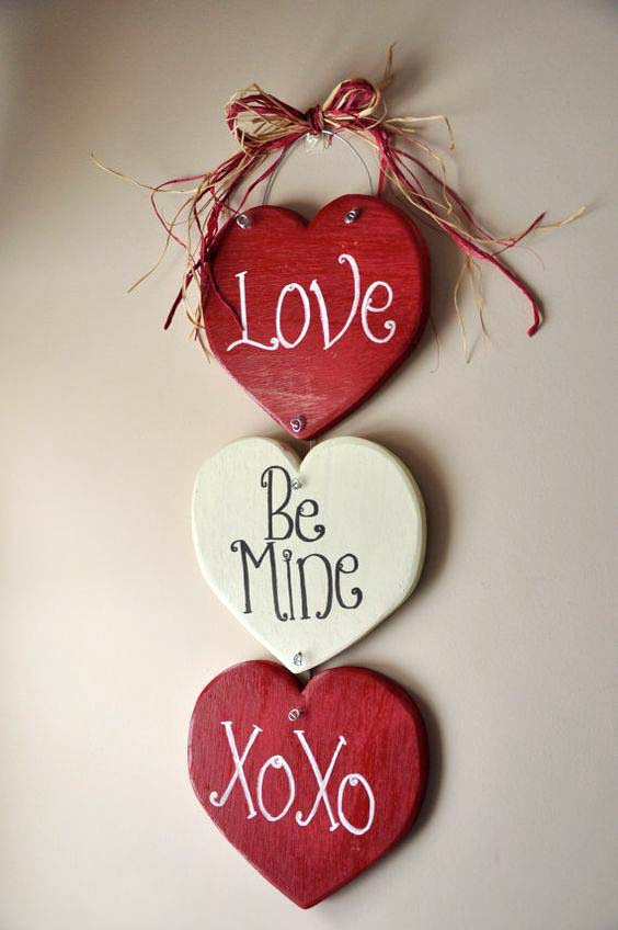 Valentines Day Door Hanger #valentinesday #rustic #decor #diy #decorhomeideas