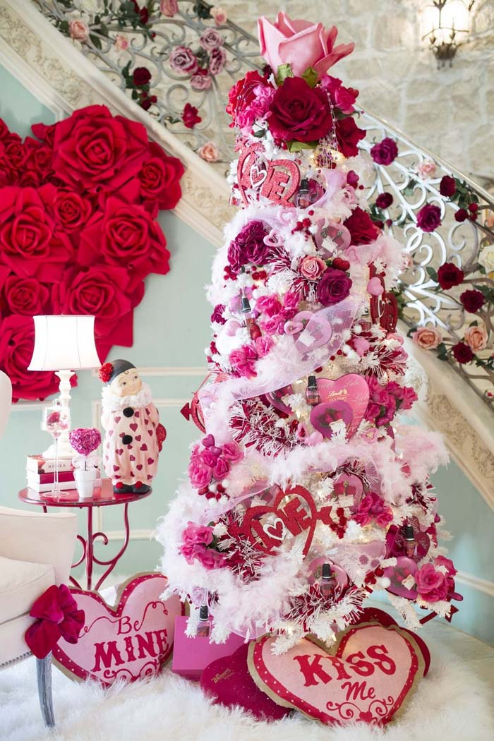 Valentine's Day Tree With Roses #valentine #tree #diy #decorhomeideas