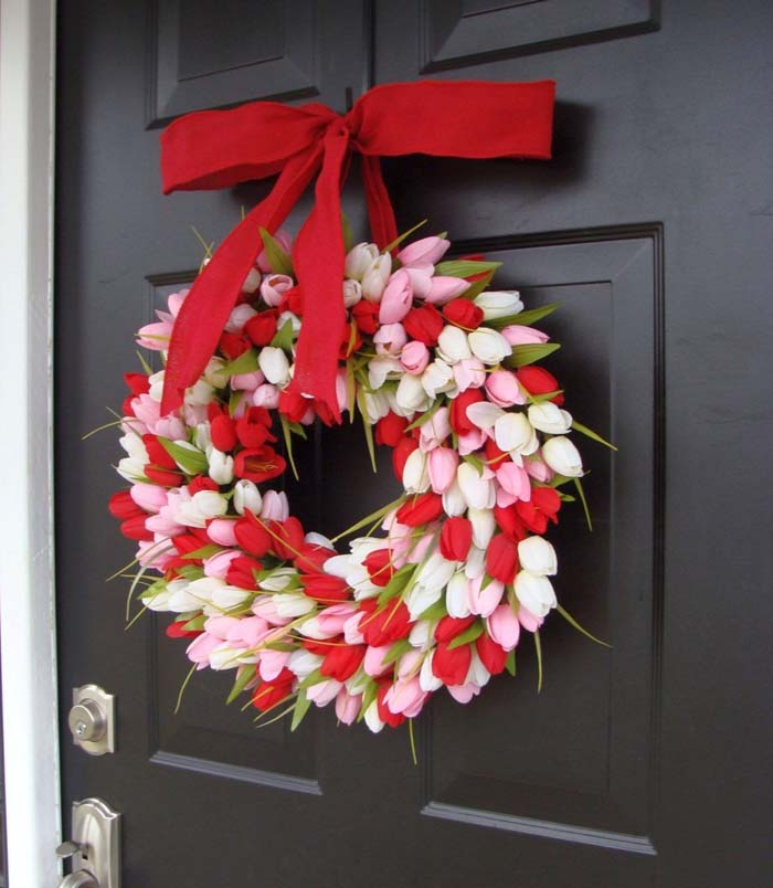 Valentine's Day Tulip Wreath #valentine #diy #wreaths #decorhomeideas