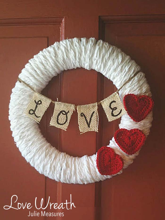Valentine's Love Wreath #valentine #diy #wreaths #decorhomeideas