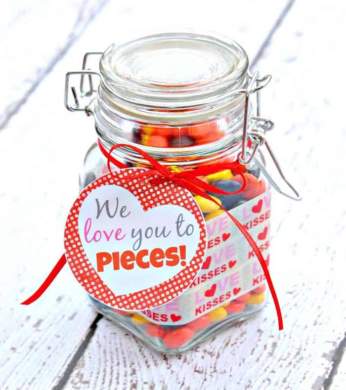 We Love You to Pieces #valentinesday #crafts #jars #gifts #decorhomeideas