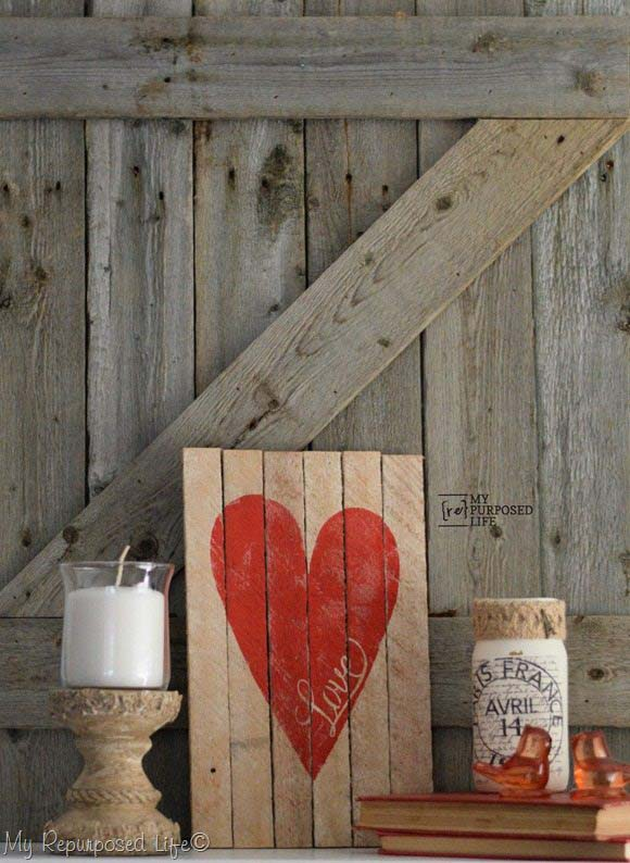 Wood Sign Mantel #valentinesday #rustic #decor #diy #decorhomeideas