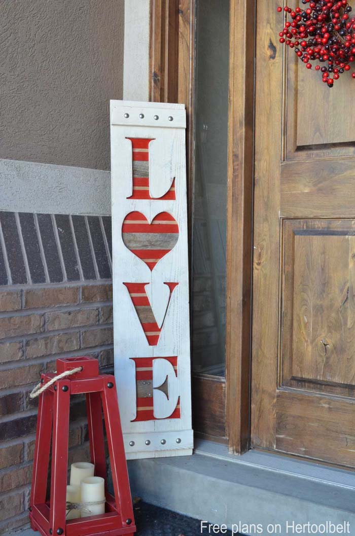 Wood Valentines Day Sign #valentinesday #rustic #decor #diy #decorhomeideas