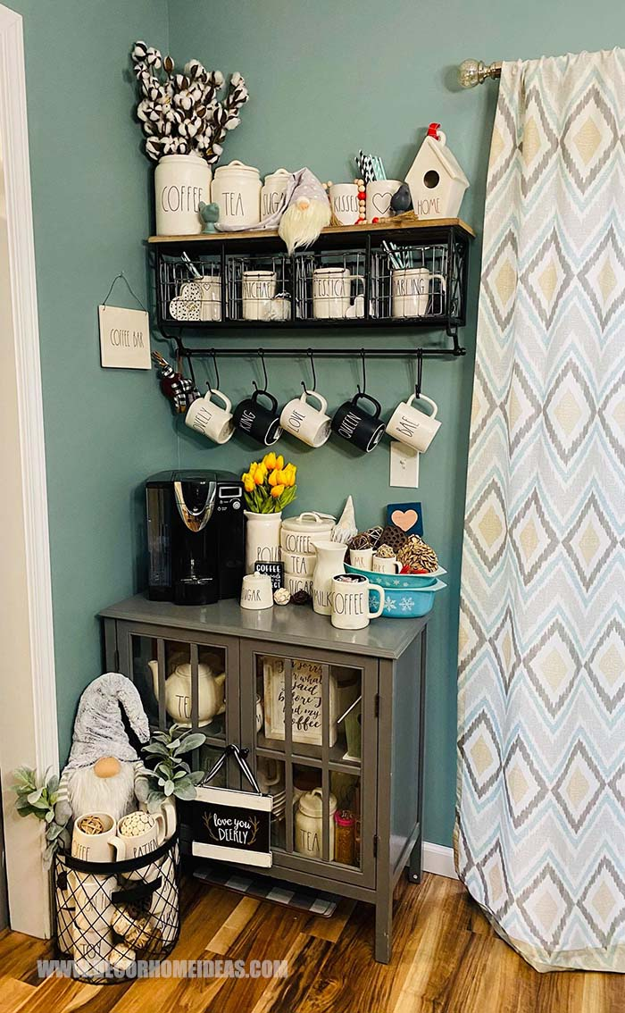 Coffee Bar Idea With Lovely Mugs #coffeebar #diy #decorhomeideas