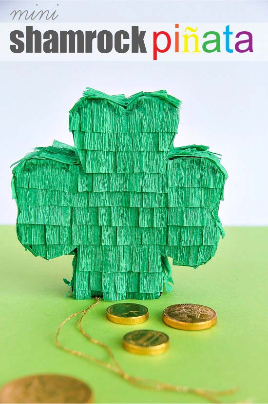 DIY St. Patrick's Day Pinata #stpatrick #diy #decor #decorations #decorhomeideas