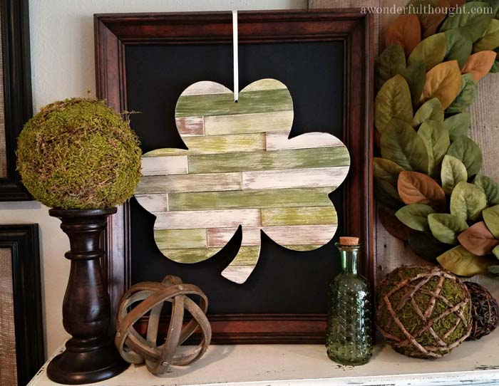 DIY Wood Shim Shamrock #stpatrick #diy #decor #decorations #decorhomeideas