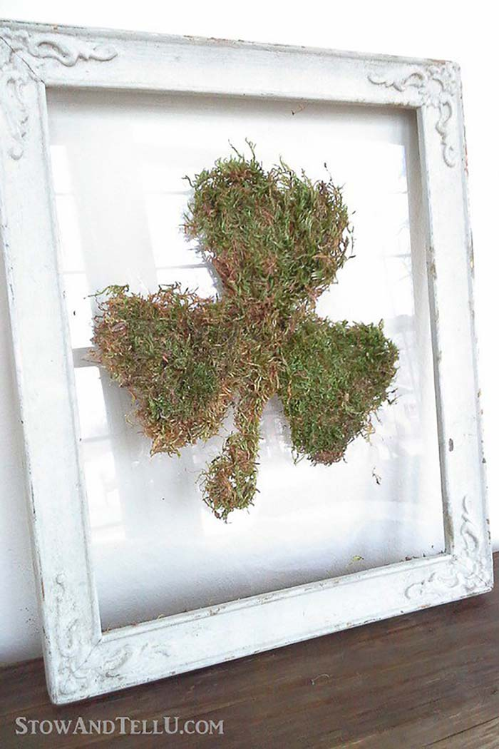Easy Framed Moss Shamrock #stpatrick #diy #decor #decorations #decorhomeideas