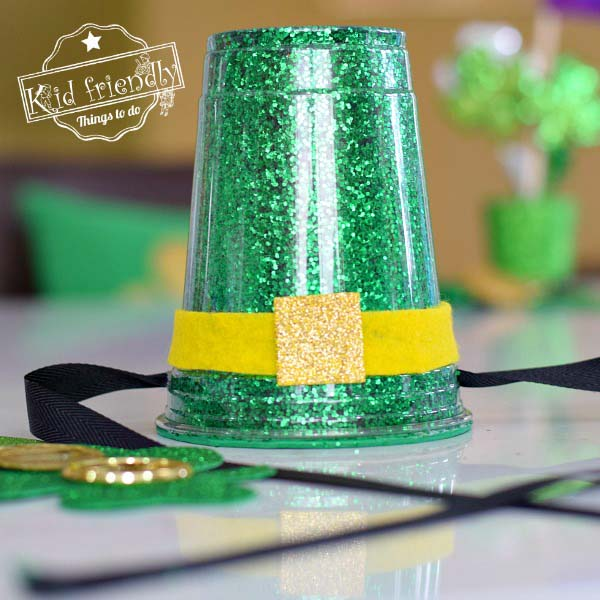 Glitter Leprechaun Hat #stpatrick #diy #decor #decorations #decorhomeideas