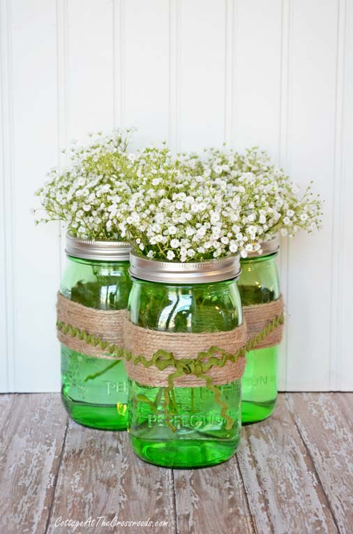 Green Ball Jar Centerpiece #stpatrick #diy #decor #decorations #decorhomeideas