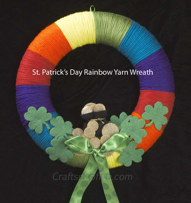 Rainbow Yarn Wreath from Crafts N Coffee #stpatrick #diy #wreath #decorhomeideas