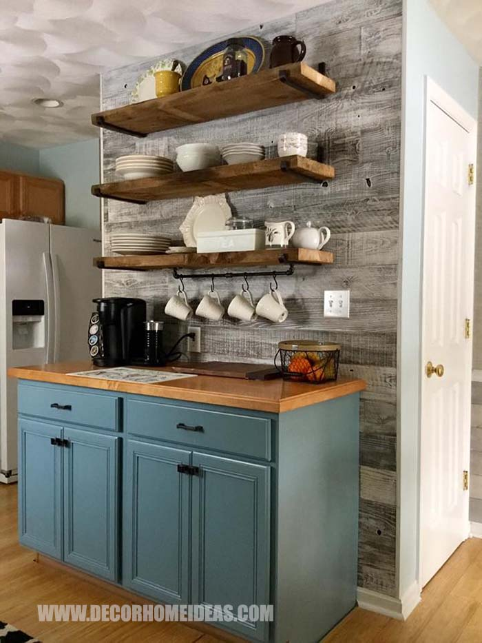 Reclaimed Wood Coffee Bar Design #coffee #bar #diy #reclaimedwood #decorhomeideas