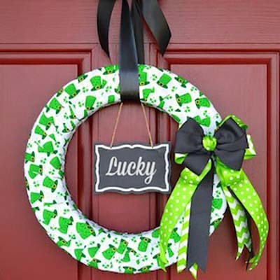 Saint Patricks Day Wreath #stpatrick #diy #wreath #decorhomeideas