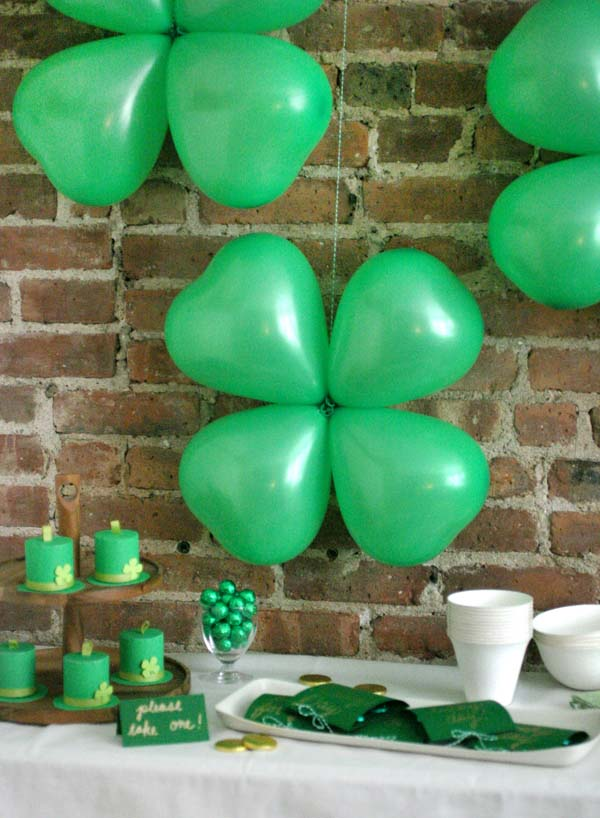 Shamrock Balloons #stpatrick #diy #decor #decorations #decorhomeideas