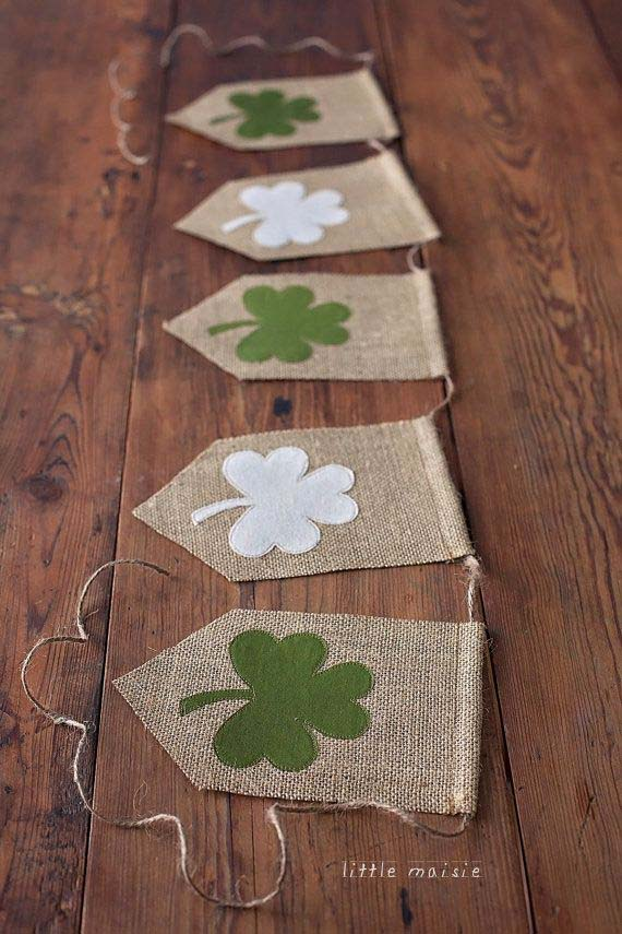 Shamrock Burlap Banner #stpatrick #diy #decor #decorations #decorhomeideas