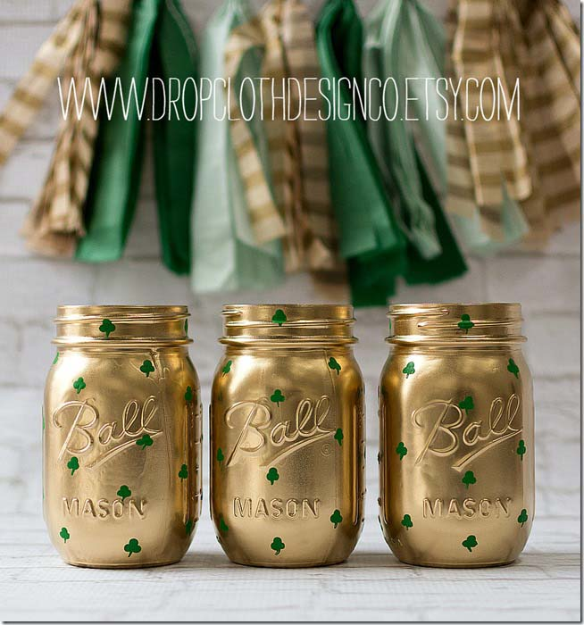 Shamrock Mason Jars #stpatrick #diy #decor #decorations #decorhomeideas