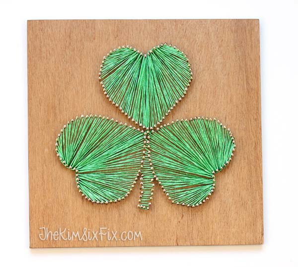 Shamrock String Art #stpatrick #diy #decor #decorations #decorhomeideas