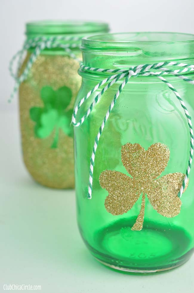 Shamrock tinted mason jar craft idea #stpatrick #diy #decor #decorations #decorhomeideas