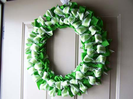 St. Patrick's Day Ribbon Wreath #stpatrick #diy #decor #decorations #decorhomeideas