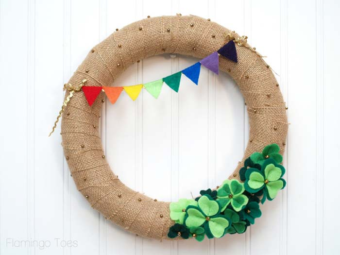 St Patricks Day Burlap Wreath #stpatrick #diy #wreath #decorhomeideas