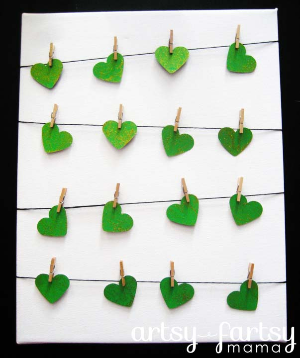 St. Patrick's Day Clothesline Art #stpatrick #diy #decor #decorations #decorhomeideas