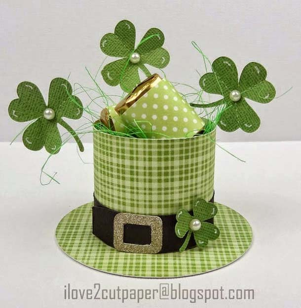 St. Patrick's Day Hat Centerpiece #stpatrick #diy #decor #decorations #decorhomeideas
