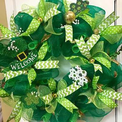 St Patricks Day Holiday Wreath #stpatrick #diy #wreath #decorhomeideas