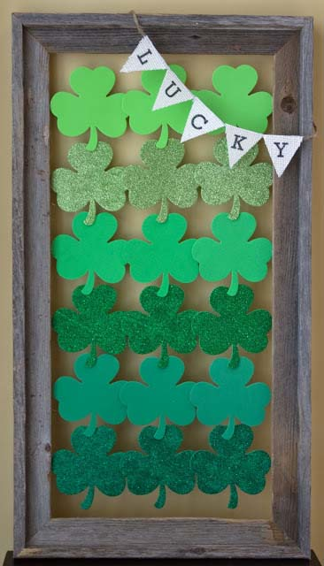 St. Patrick's Day Ombre Art #stpatrick #diy #decor #decorations #decorhomeideas