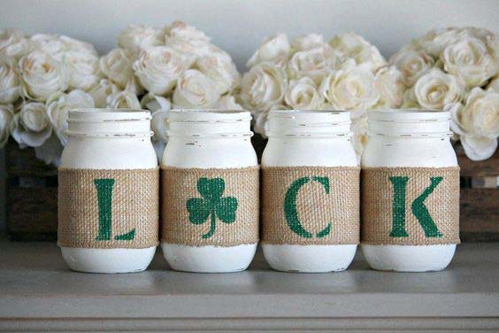 St. Patrick's Day Rustic Centerpiece #stpatrick #diy #decor #decorations #decorhomeideas