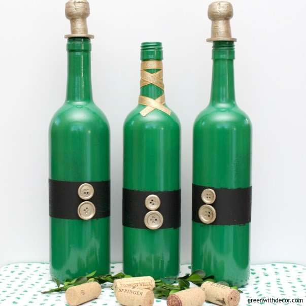 St. Patrick's Day Wine Bottle Centerpieces #stpatrick #diy #decor #decorations #decorhomeideas