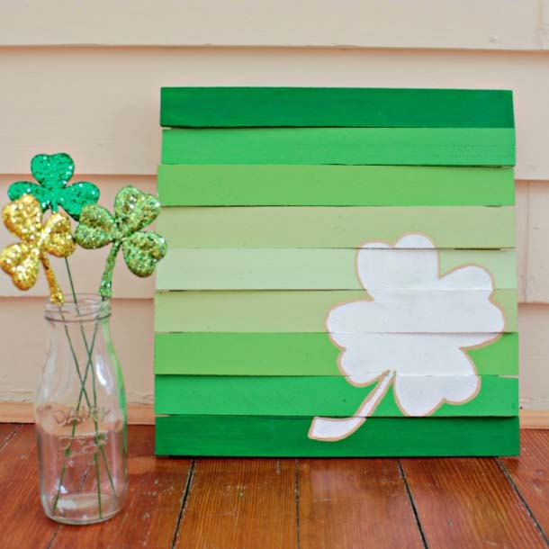 St. Patrick's Day Wood Shim Pallet Signs #stpatrick #diy #decor #decorations #decorhomeideas