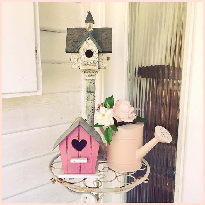 Birdhouse Easter Front Porch Decor #easter #diy #porch #decor #decorhomeideas