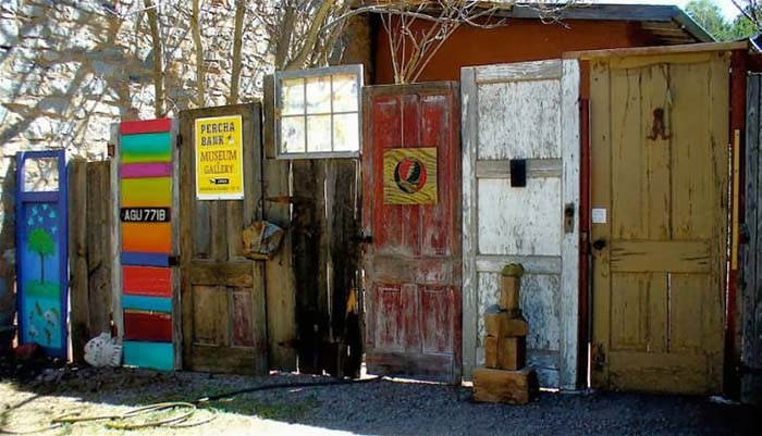 Colorful Old Doors For Fence #diy #repurpose #doors #old #decorhomeideas