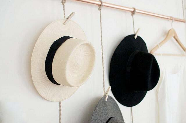 DIY Hanging Copper Hat Rack #diy #hatrack #organizer #decorhomeideas