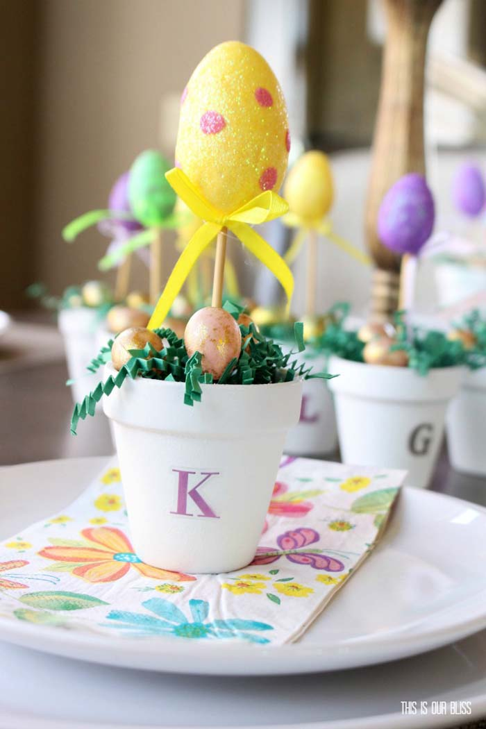 DIY Easter Egg Topiary Idea #easter #diy #dollarstore #crafts #decorhomeideas