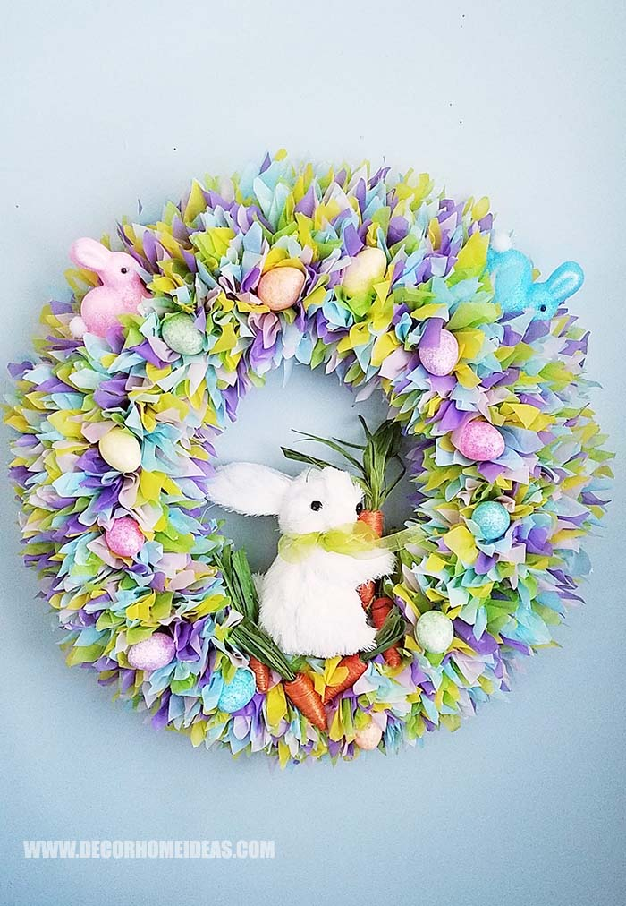 DIY Easter Plastic Tablecloth Wreath #easter #diy #cheap #decor #decorhomeideas