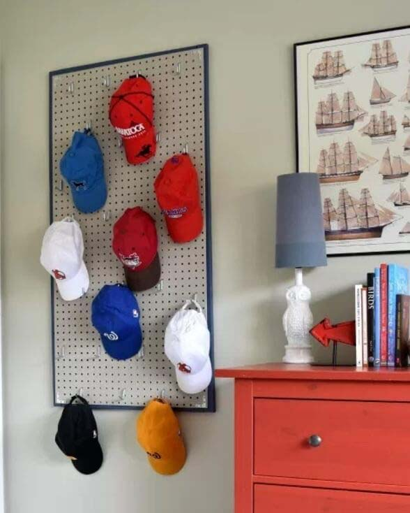 DIY Pegboard Baseball Hat Rack #hatrack #diy #organizer #decorhomeideas