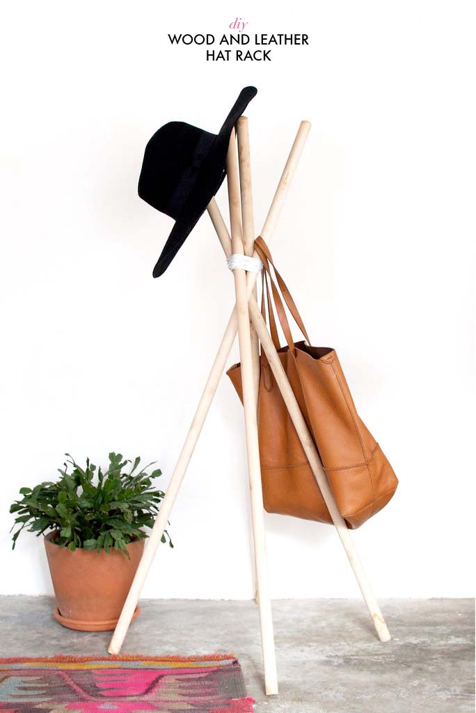 DIY Quick Wood and Leather hat Rack #hatrack #diy #organizer #decorhomeideas